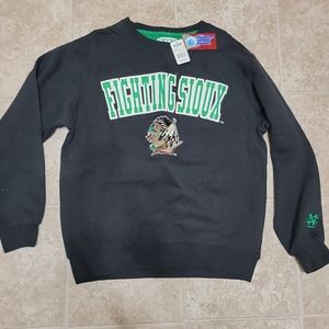 Fighting Sioux UND E5 Medium NEW Sweatshirt Adult